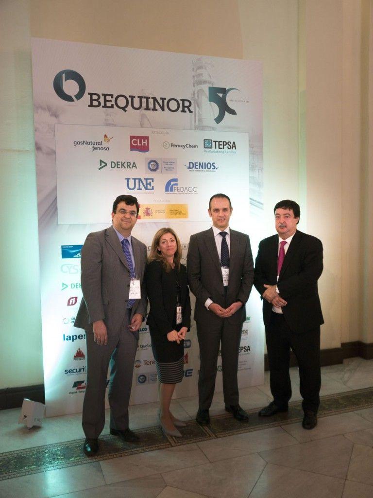D. Juan Santos y, D. Patricio Navarro, INERCO con Dña. Rosa Sánchez y D. Javier Giner, BEQUINOR
