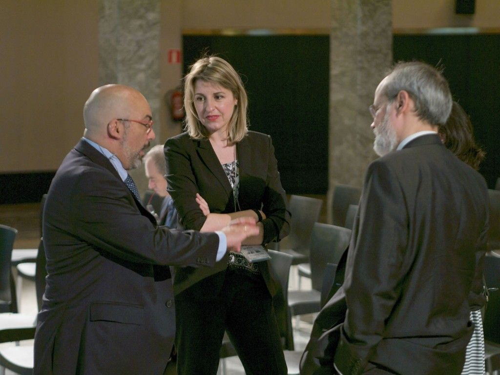 D. Emilio Coca, GAS NATURAL FENOSA, Dña.  Carolina García, DENIOS, y D. Arturo Trujillo, DEKRA
