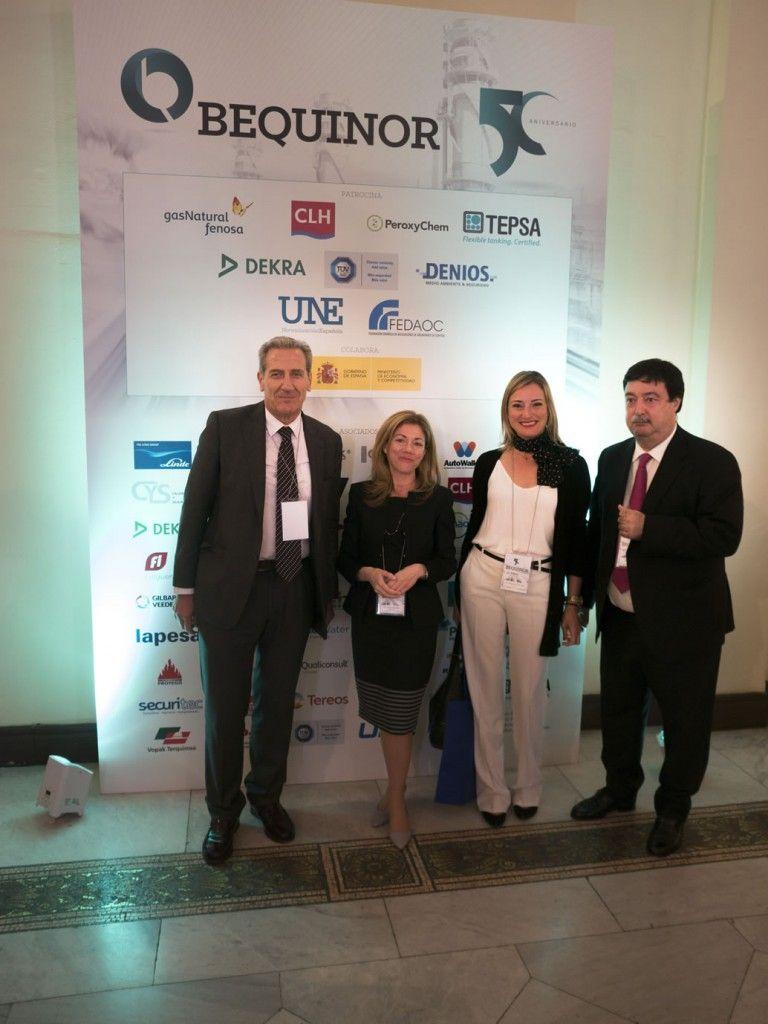 Dña. Begoña Chirivella y D. Eduardo Navarro, FIMED, con Dña. Rosa Sánchez y D. Javier Giner, BEQUINOR