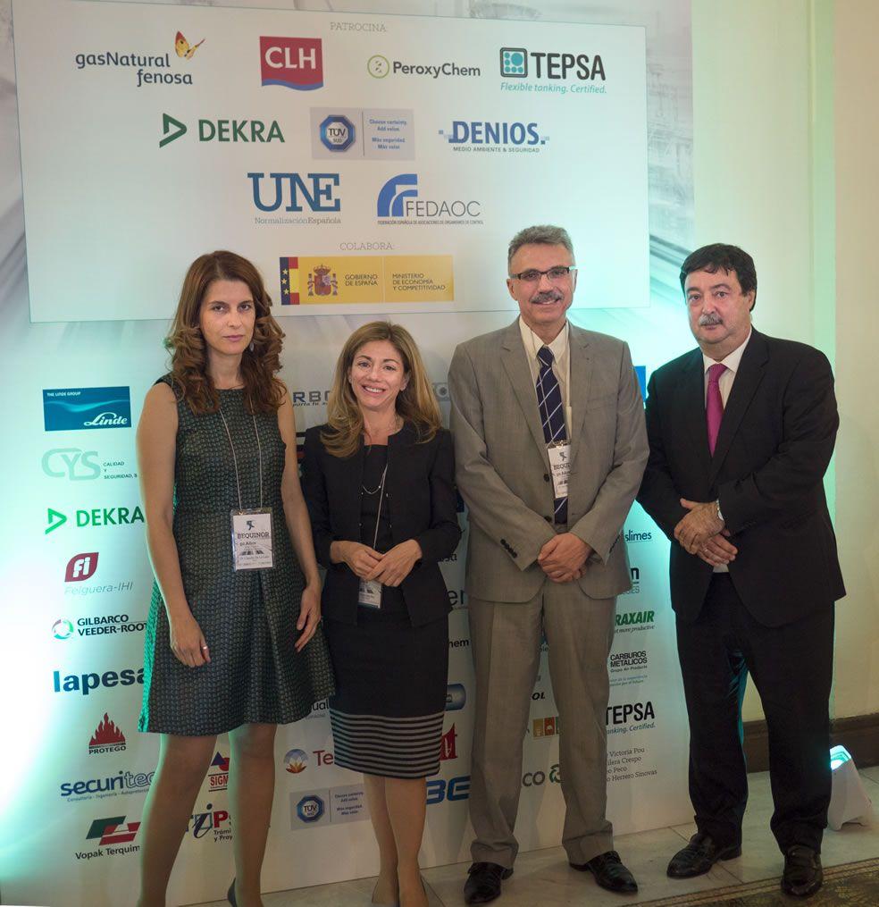 Dña. Claudia de la Calle y D. Luis Manuel Rodríguez, ENAC, con Dña. Rosa Sánchez y D. Javier Giner, BEQUINOR